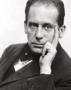 WalterGropius-1919_klein